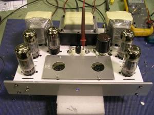 white_I-mac_amp_and_silver_amp_2-22-11_001.jpg