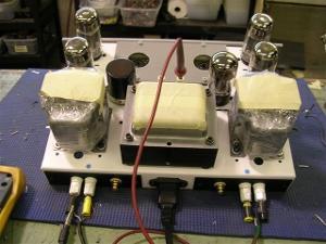 white_I-mac_amp_and_silver_amp_2-22-11_004.jpg