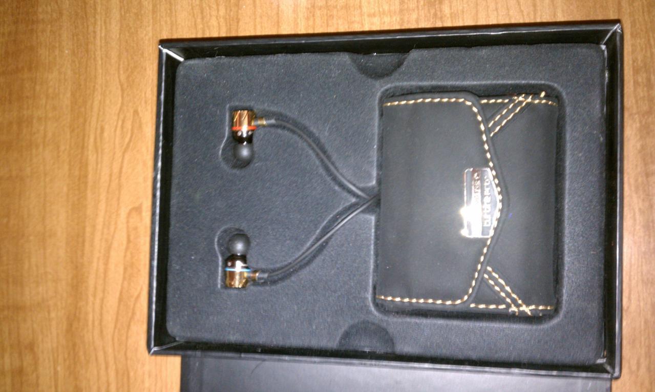 Headphones in packaging