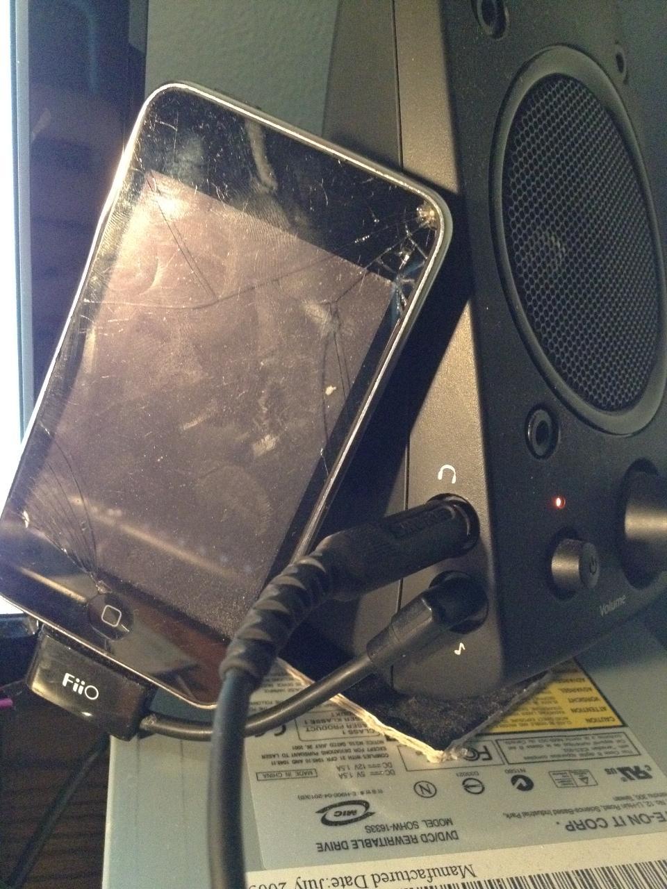 "My E5 broke. temp solution <img src=""https://cdn.head-fi.org/e/headfi/smily_headphones1.gif""..."