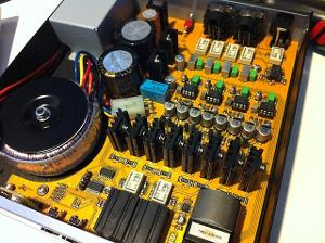 Matrix Quattro opened to swap the single end dual opamp OPA2604.