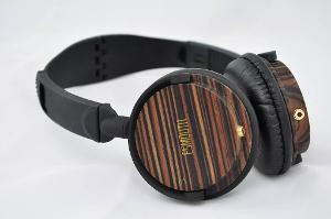 ESmooth ES-820EB Ebony Wood Headphones in matt finish.