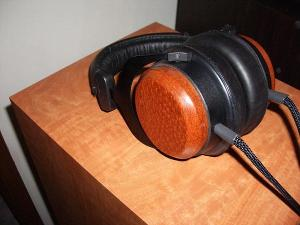 Darth Beyer V3.0 Lepoardwood with 2M Blackmax Cable.