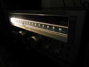 Sansui G-5700 in the dark.