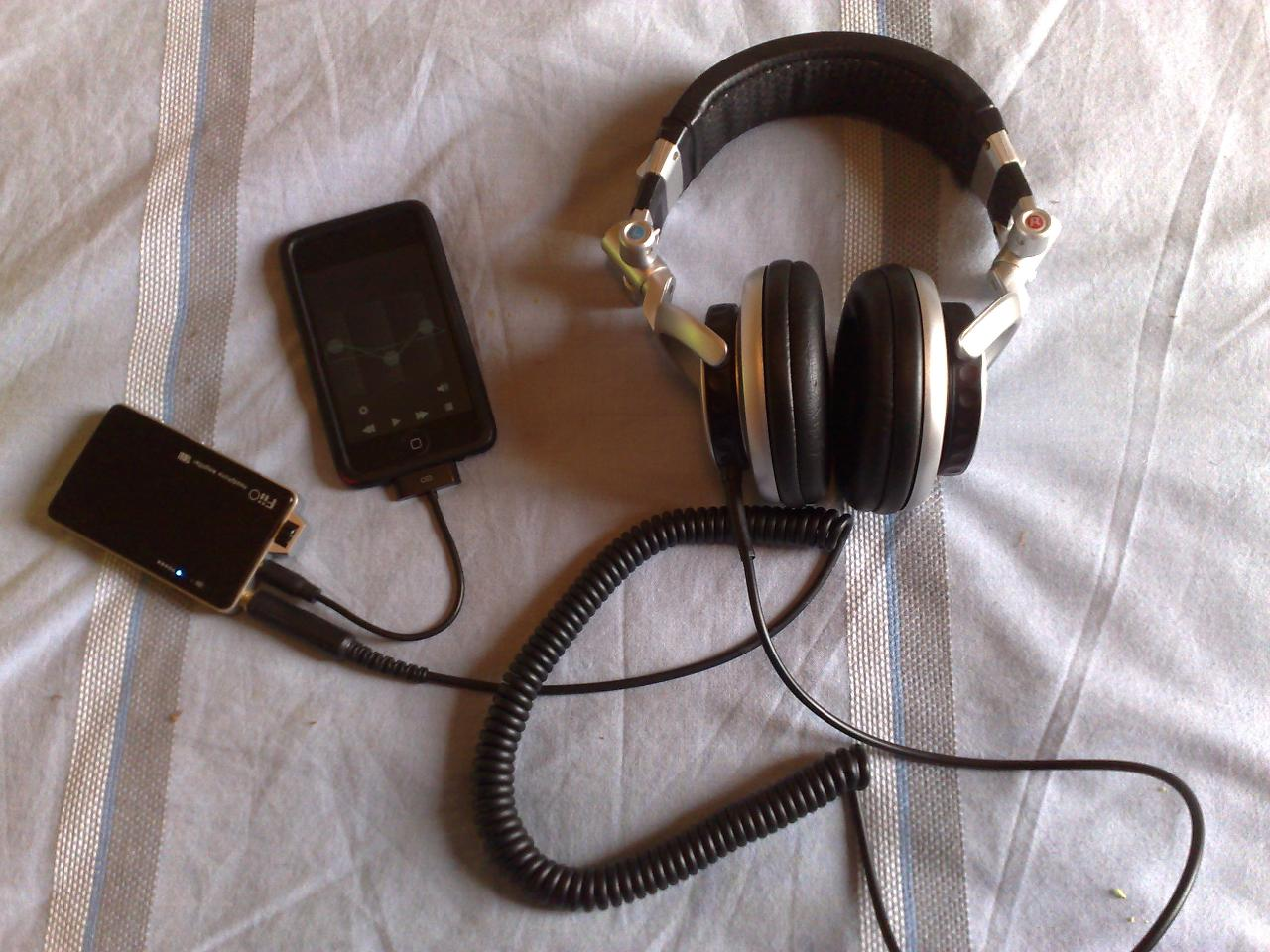 Headphone set up 1.jpg