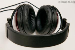 This photo shows the headband from above, and the inside of the Fostex TH900 earcups (and earpads).