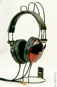 The Fostex TH900 comes with this Fostex wire headphone stand. Either I'm using it wrong, or this...