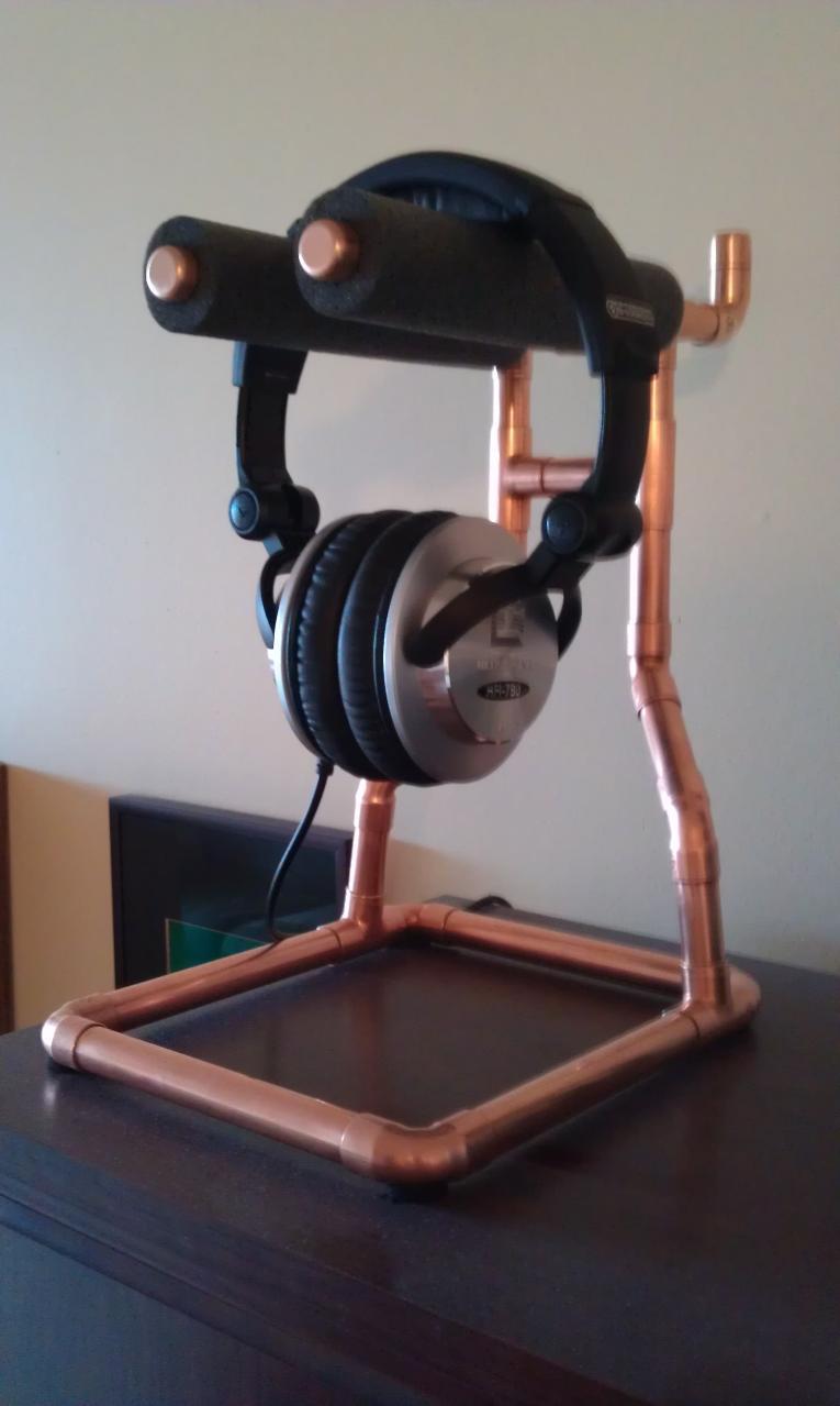 Copper Headphone Stand with Ultrasone HFI-780