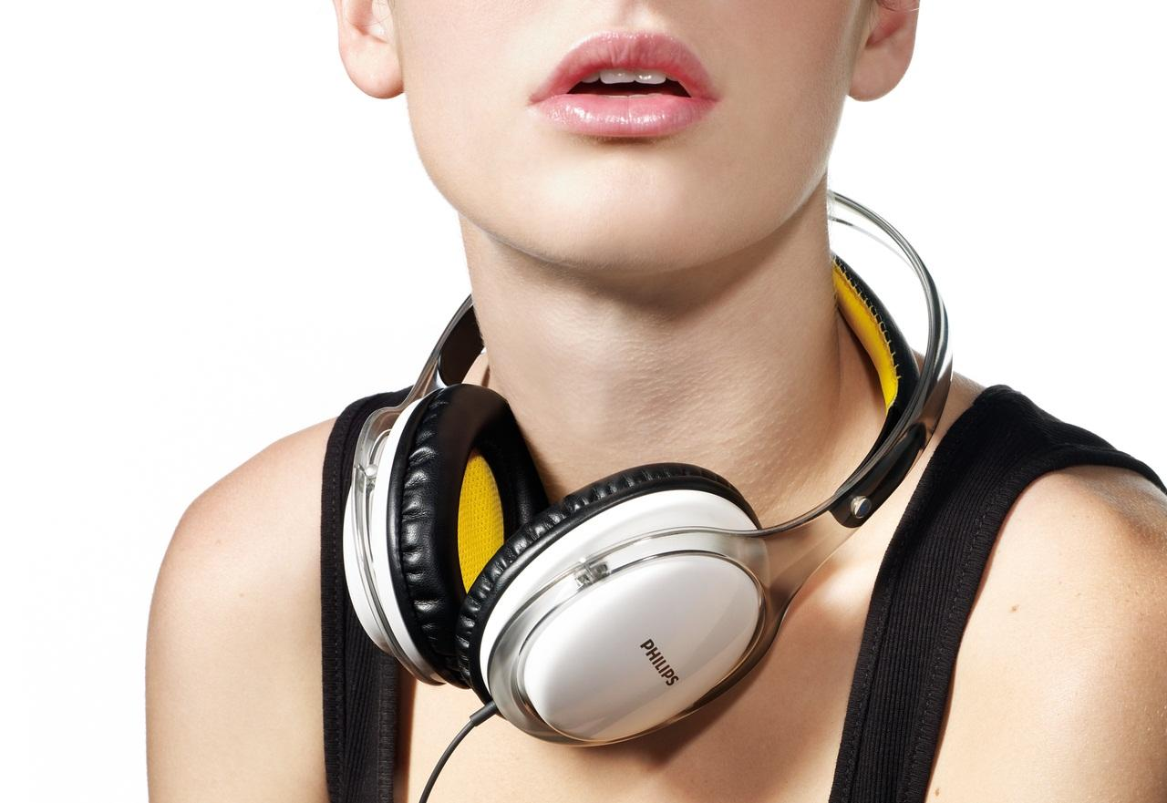 Headphone_SHL9560_Lifestyle.jpg