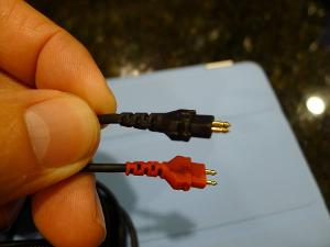 Connectors on stock HD600 cable.