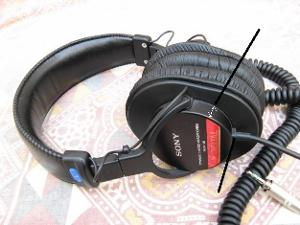 1320485730_273612275_1-Pictures-of--SONY-MDR-V6-Studio-Monitor-Headphones.jpg