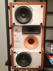 SAPTrio speakers from Italy.  Horn loaded with a super tweeter, two full range dynamic drivers...