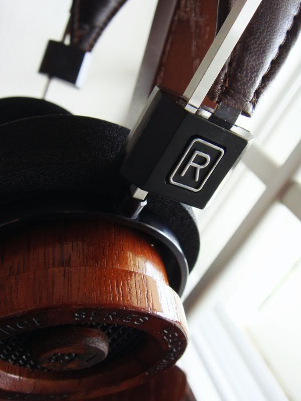 Same unusually padded brown headband RS1, you can see without gold lettering on the rodblocks (I...