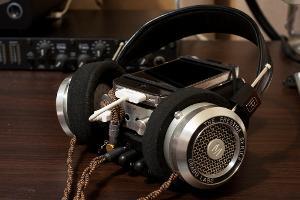 Transportable rig: iPhone, Fostex HP-P1, Triad Audio L3, Symphones Magnums