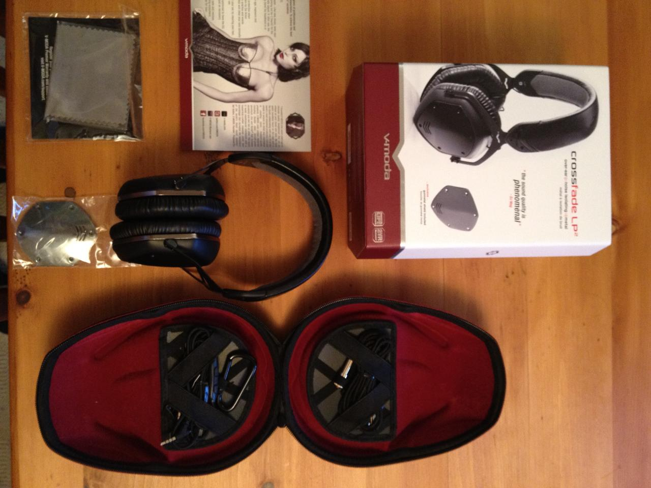 V-Moda Crossfade LP2, out of the box