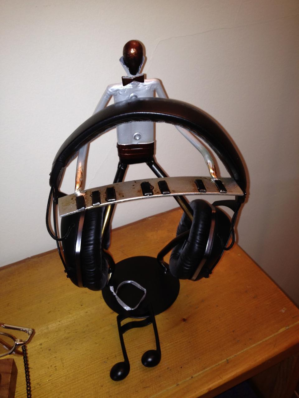 V-Moda Crossfade LP2, Headstand 2