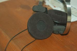 Senn pad, Sony plate, Koss headphone front view.jpg