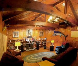 Bigshot's listening room