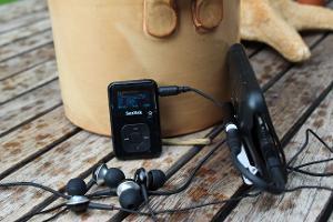 Sansa clip+-->RHA MA-350 iPhone 3G-->Fiio L3-->Fiio E5-->RHA MA-350...