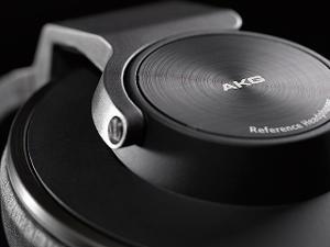 110211_akg_k550_headphones_4.jpg