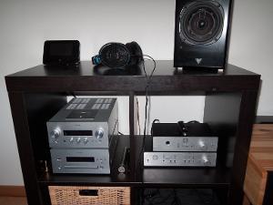 Bedside rig. Squeezebox Touch > Meier StageDAC > Meier Concerto > Sennheiser HD600