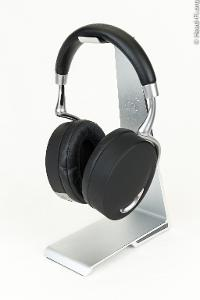 The Parrot Zik (by Philippe Starck), side view.