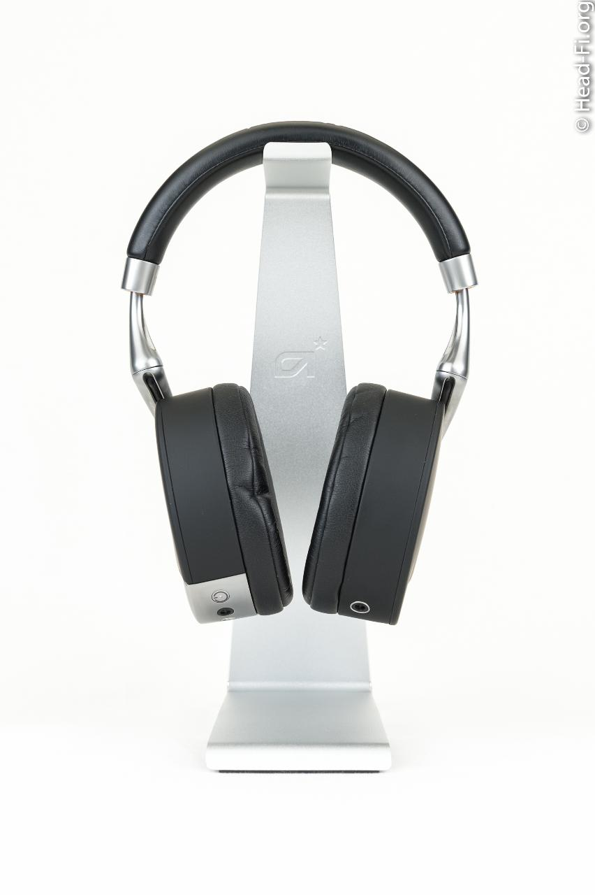 The Parrot Zik (by Philippe Starck).