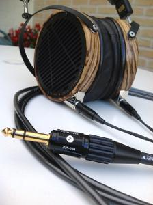 Audeze LCD-3 with Moon-Audio Silver Dragon V3 headphone cable
