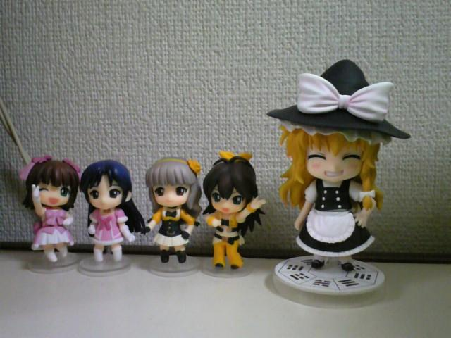 #92 Marisa Kirisame, along with 4 nendoroid petites from the original Idolmaster