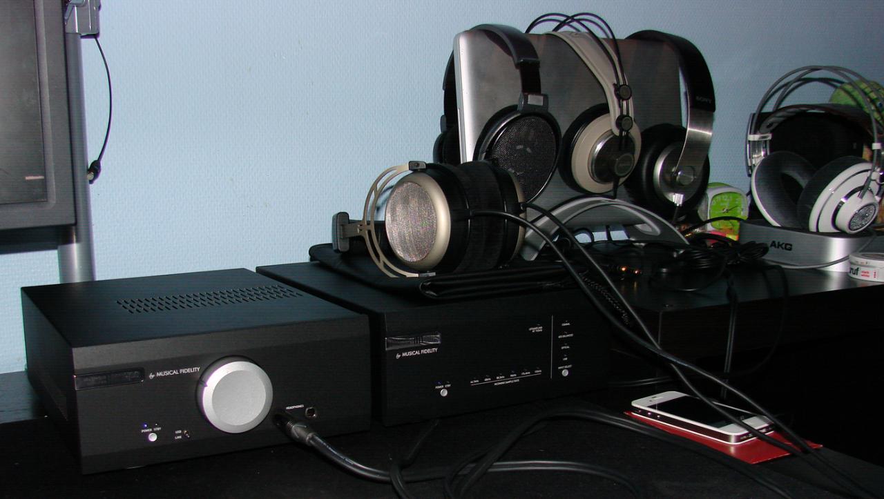 Musical Fidelity M1 HPA<br /> Musical Fidelity M1 DAC<br /> Beyerdynamic T1<br /> Sennheiser...