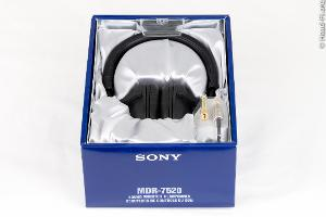Sony MDR-7520 in its box.