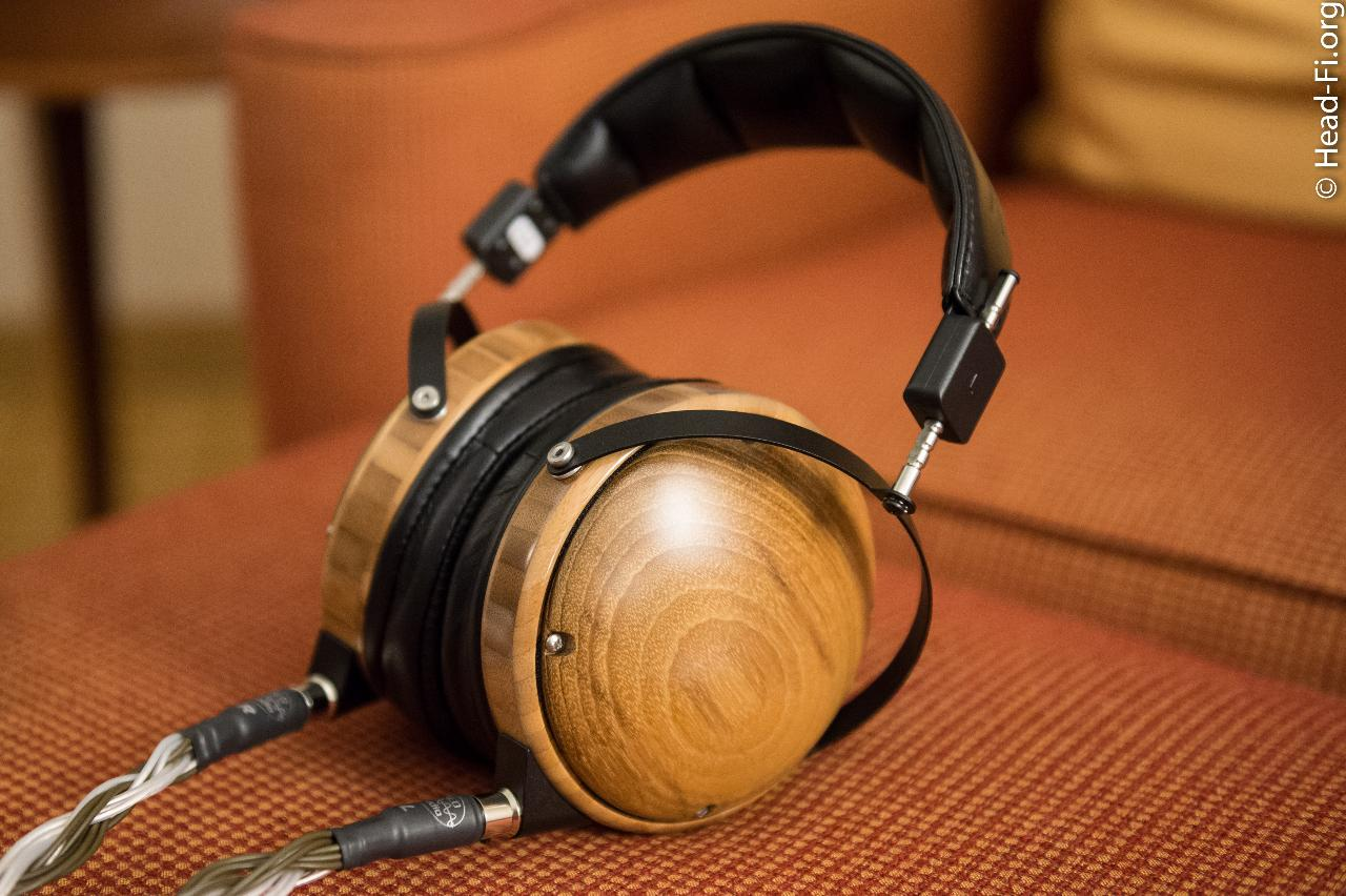 A closed-back Audeze? Yes. And, yes, it's a planar magnetic design. I got a chance to take...