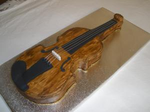 violin-cake.jpg