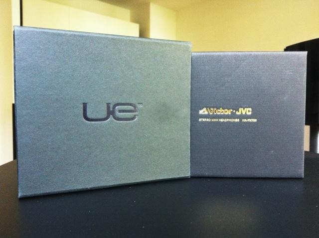 UE900 vs FX700 #2