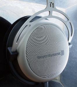 Beyerdynamic T1 earcup