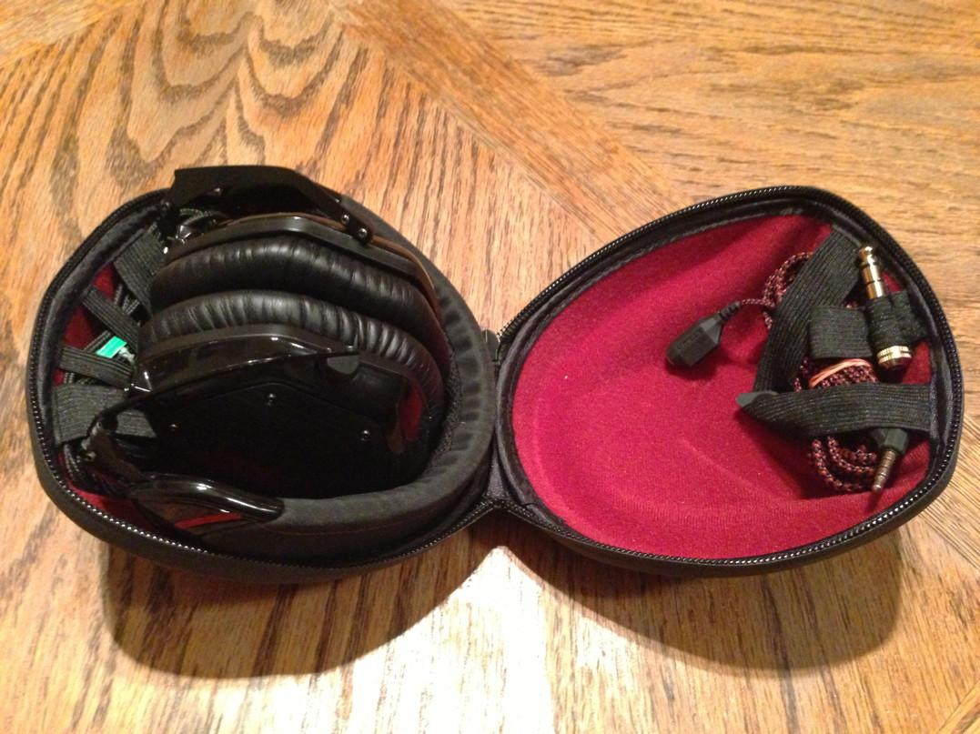 "M-100 case with both cables and 1/4"" adapter, with headphones"
