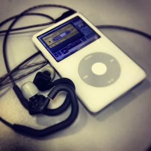 iPod Video 30GB 5.5G > Vsonic GR07 MK2