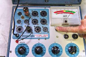 1964 BB&K DynaJet 606 Vacuum Tube tester.