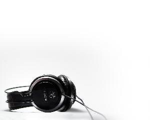 thumbbig-music-headphones-37448.jpg