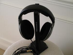 One last view of the HD-595 sitting pretty on my Woo Audio headphone stand.