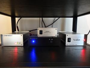 valab chameleon dac/audio-gd di v3 / 2x linear power supplies.
