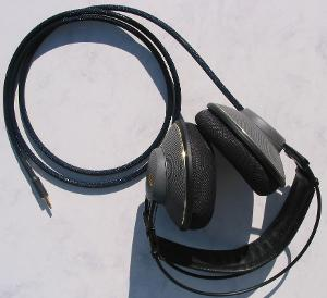AKG 501 with Moon Audio Black Dragon V2 Headphone Cable