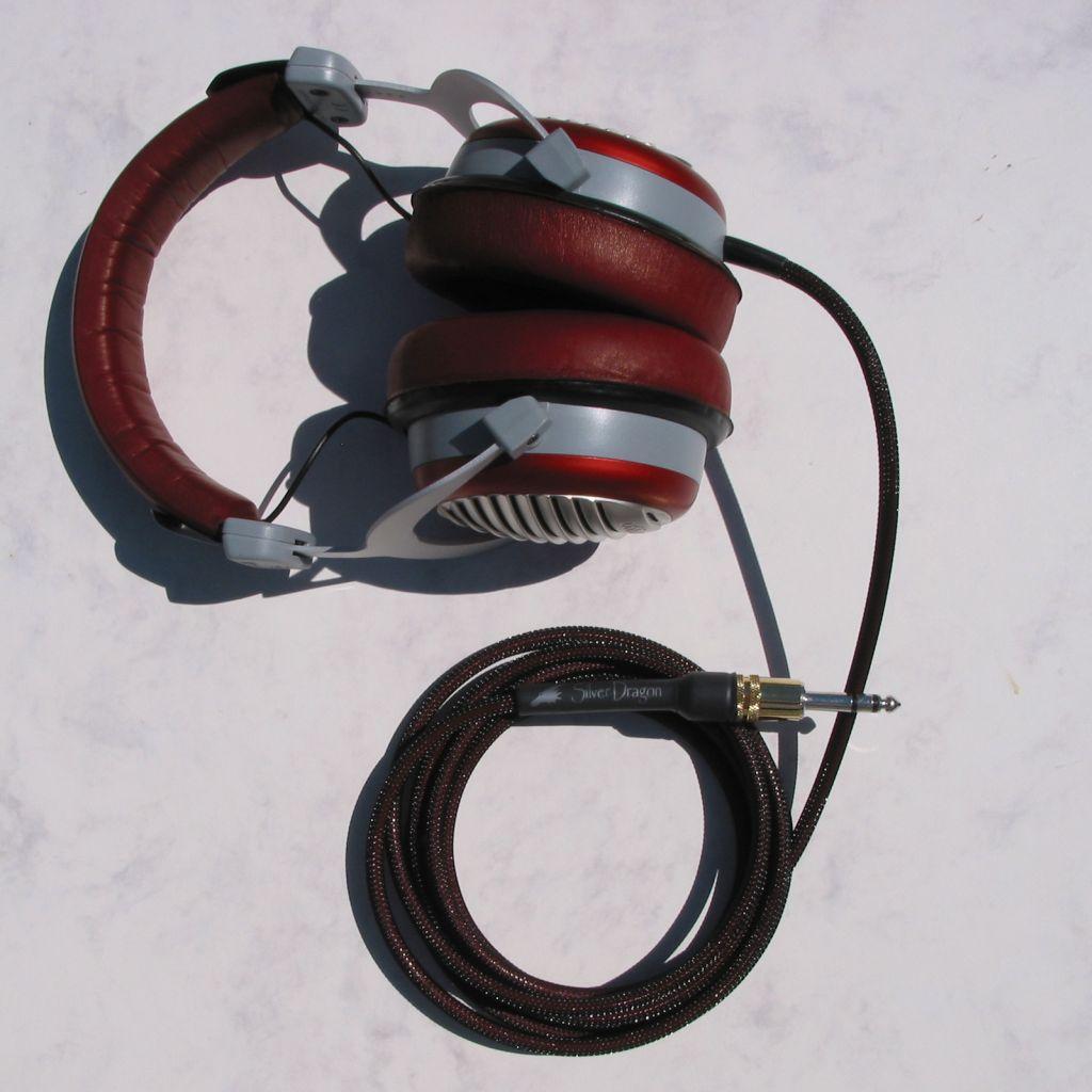 Beyerdynamic DT990 Special Silver Dragon V2