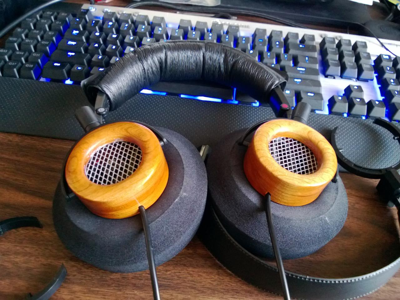 Sony headband (gone now, it was poo) and Beyer pad, magnum V5's, Ebay Cherry wood cups, G-cush