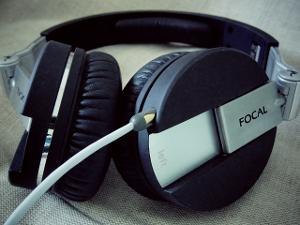 Focal Spirit One with a supra MP-Cable. Sorry for the dust! Headphones been in active use for...