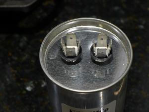Temco Oil-Filled Motor RUN capacitor. 100uf 370-440V