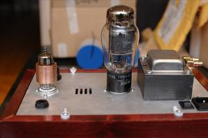 Pre-cap upgrade Crack. Relatively purty. Output tube is a Tungsol 5998.
