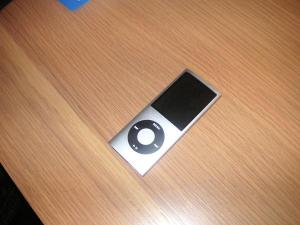 Ipod Nano 4G 16GB (had out side-testing on an opened-box returns period but did not keep)