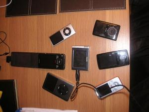 Collective snap of all DAPs; my ipod Classic & Sony A-829 along with array of other players...
