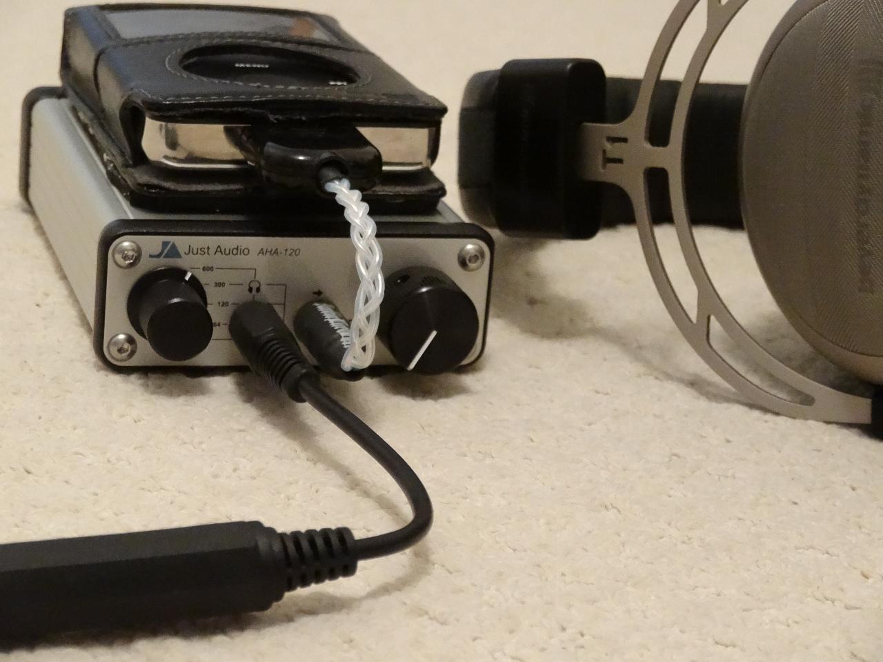 Just Audio AHA-120 + I-pod classic 160gb + Beyer T1 Close up.